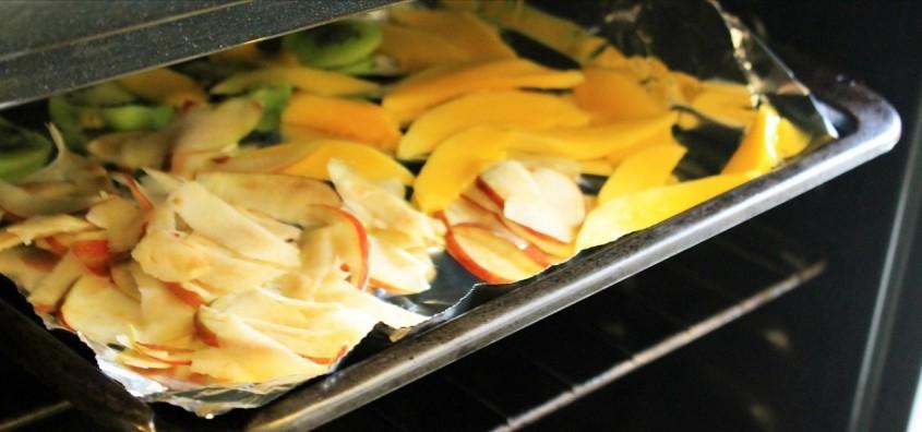 خشک کردن میوه ها در فر