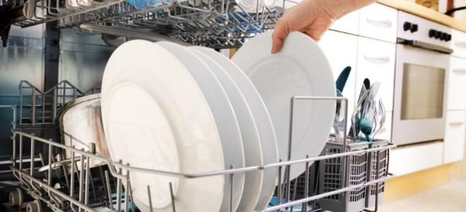 چه ظرف هایی را داخل ماشین ظرفشویی قرار ندهیم