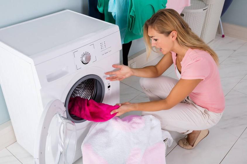 علت تمیز نشدن لباس ها در ماشین لباسشویی