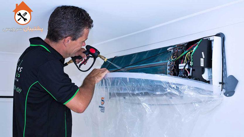 شستن پنل داخلی کولر گازی روی دیوار _ شستشوی رادیاتور و یا اواپراوتر اسپیلت با بخارشوی با کارواش خانگی _ آموزش