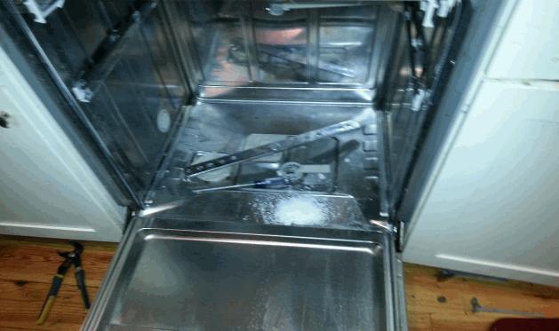 تمیز کردن و جرم گیری ماشین ظرفشویی