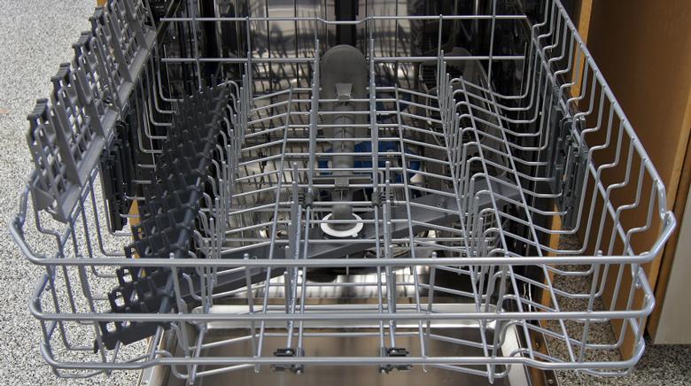 سبدهای ماشین ظرفشویی _ تمیز کردن و رفع بوی بد ماشین ظرفشویی