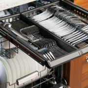 سرویس و جرم گیری ماشین ظرفشویی و راه های از بین بردن بوی بد ماشین ظرفشویی