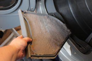 پرزگیر خشککن را خالی کنید
