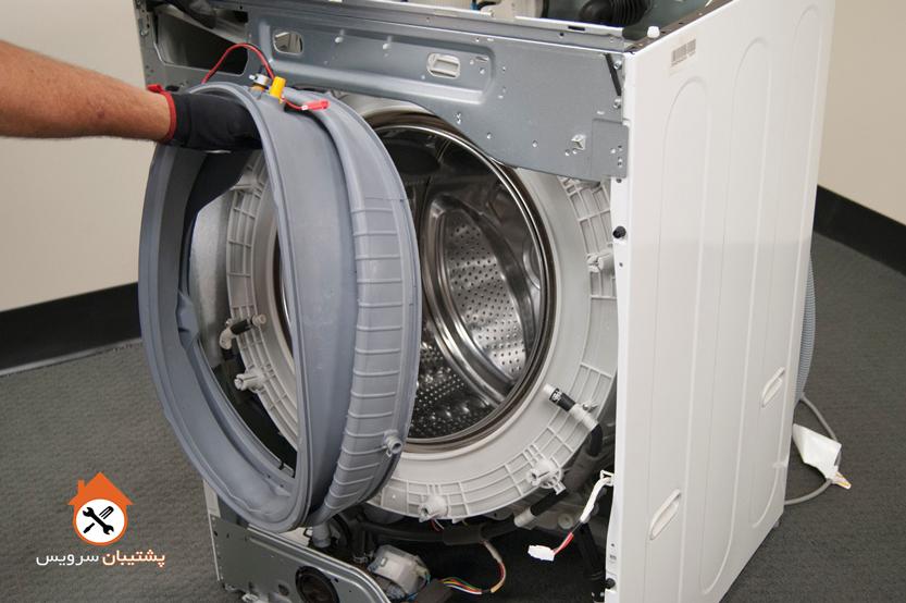 آموزش گام به گام تعویض لاستیک دور درب ماشین لباسشویی توسط پشتیبان سرویس