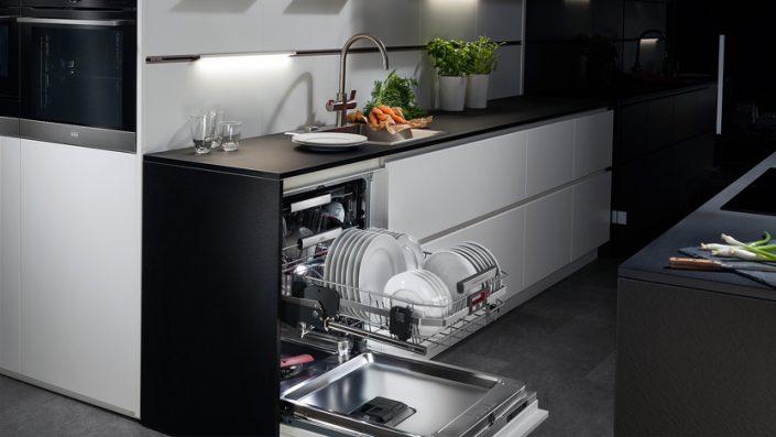 آیا می توانیم ماشین ظرفشویی را به آب گرم وصل کنیم؟
